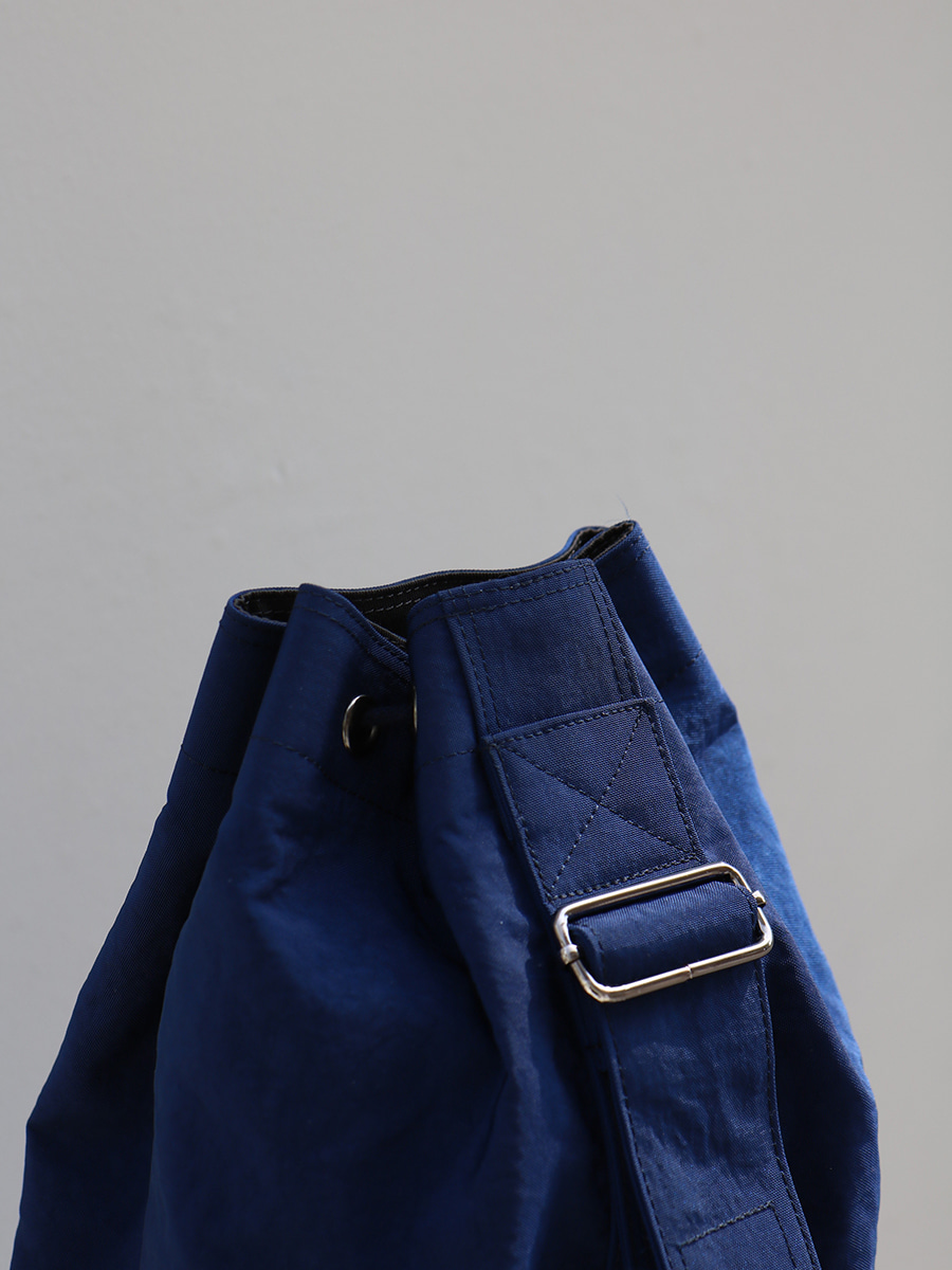 monochrome shoulder bag _ blue
