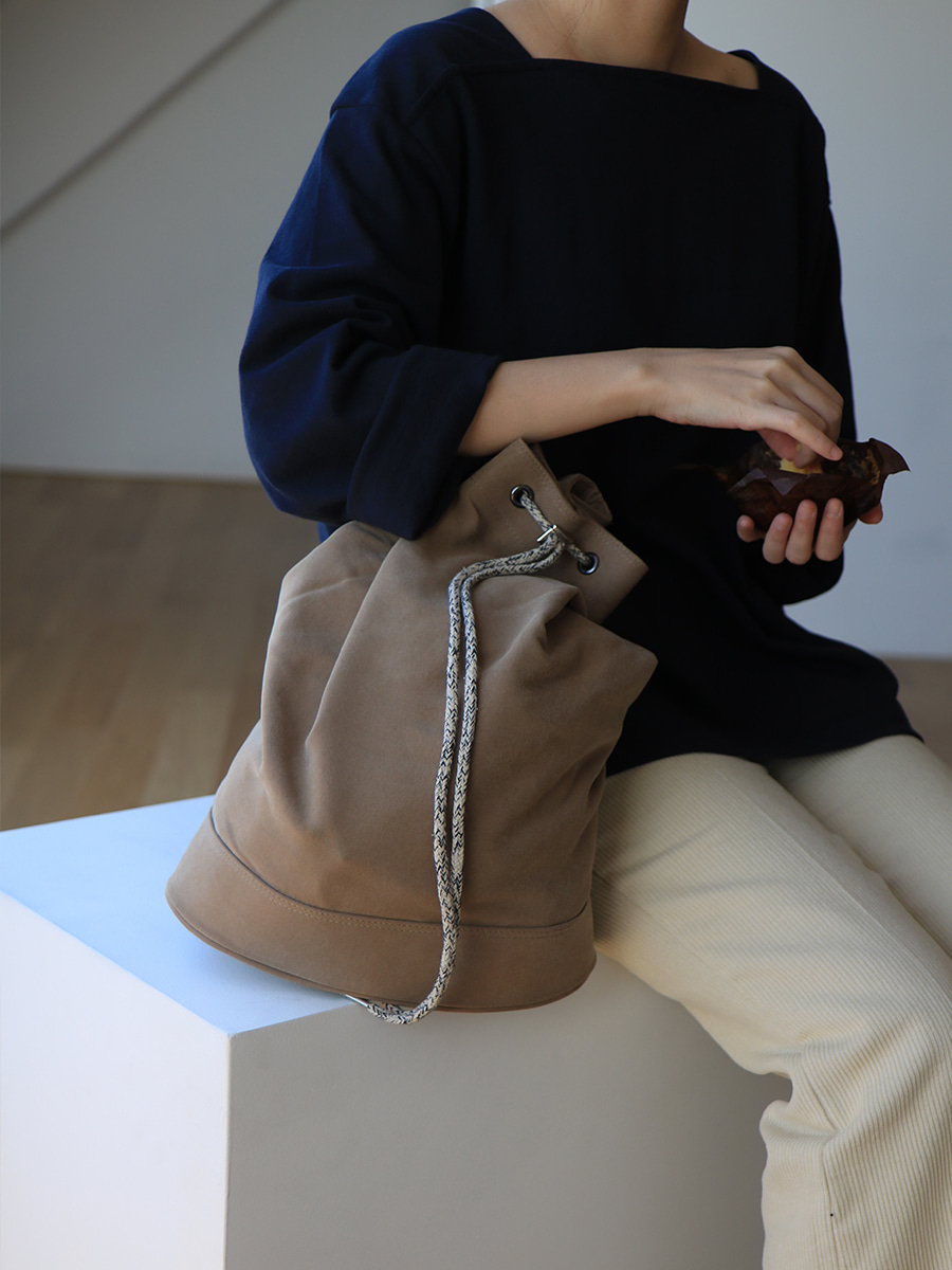 monochrome shoulder bag _ brown